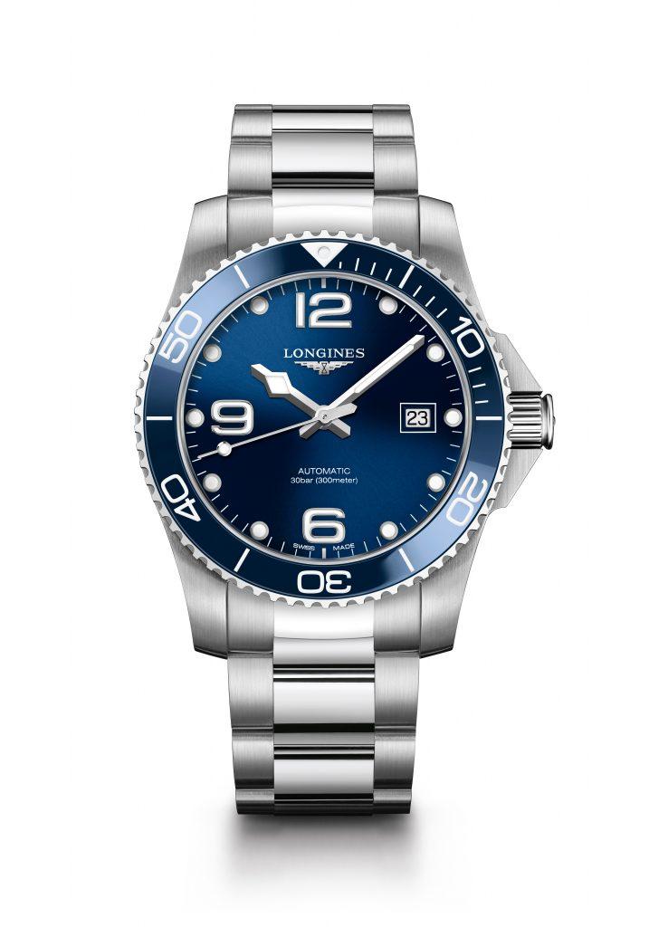 Silberne Uhr mit blauem Ziffernblatt, Longines Hydro Conquest